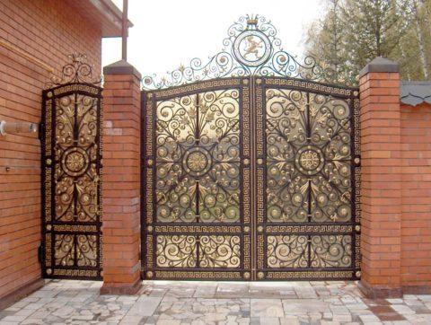 Роскошные ворота в восточном стиле