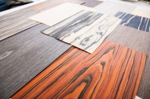 Шпонирование подразумевает оклейку поверхности тонким слоем дерева ценных пород