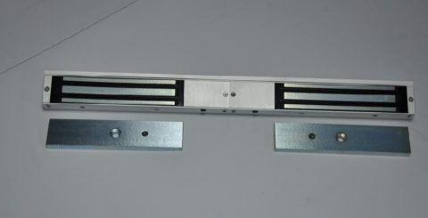 Система для двухстворчатой дверной конструкции