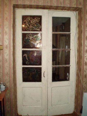Старая дверная конструкция