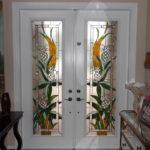 Стационарные двери в помещении