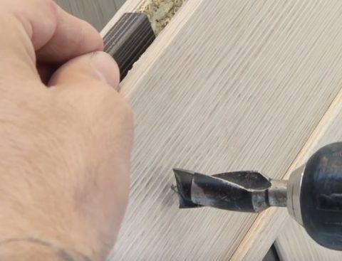 Сверло для отверстия под ручку