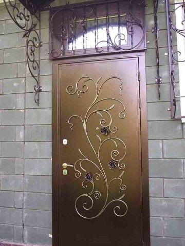 Цельное полотно в дверях