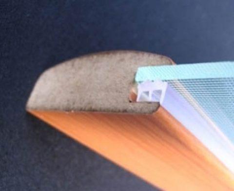 Уплотнитель подбирается в соответствии с толщиной стекла