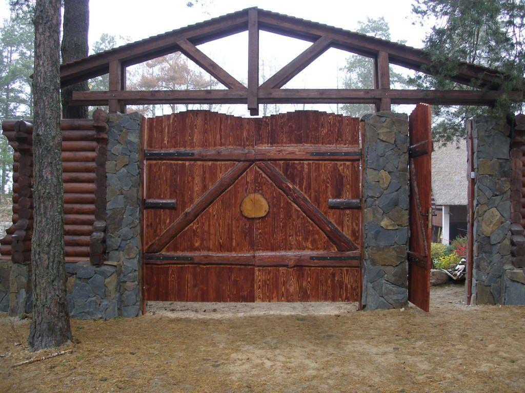 Установка створок ворот и калитки на каменные столбы