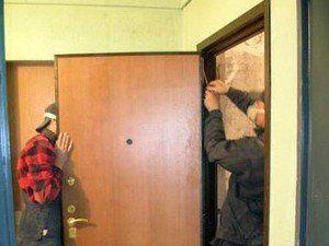 утеплить металлическую дверь входную