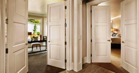 В квартире или доме с высоким потолком двухстворчатые полотна сделают интерьер благороднее и богаче