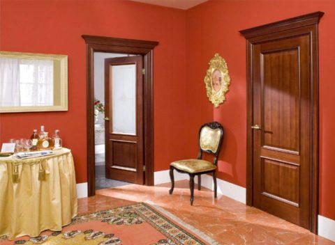 В одном помещении устанавливают двери одной модели, чтобы сохранить целостность интерьера