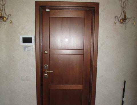 Входные двери из ольхи
