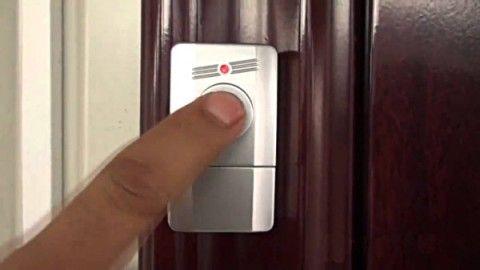 Звонок на дверном наличнике